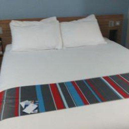 Travelodge Birmingham Central Broadway Plaza Hotel : room 105