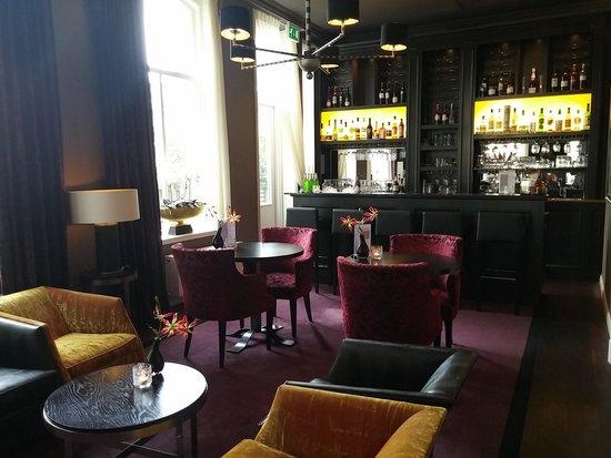 Sandton Hotel Pillows Zwolle: reception area