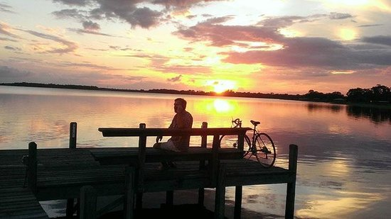 Lakeside Inn and Cafe: Beautiful Sunsets at Lakeside Inn & Cafe St. Cloud Florida