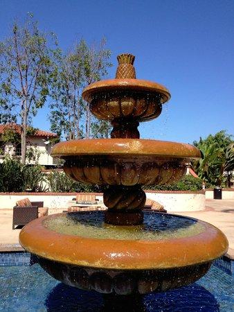 Fairfield Inn & Suites by Marriott San Diego Old Town : The lovely courtyard fountain