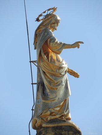 Cathédrale Notre-Dame-des-Doms : Particolare statua