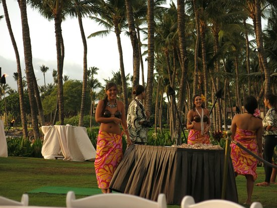 The Grand Luau at Honua'ula : photo op upon arrival