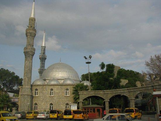 Belek Town Mosque: Мечеть в Белеке