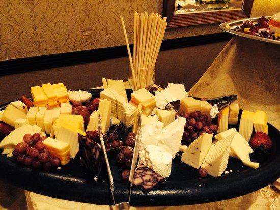 Allgauer's Restaurant: Cheese presentation
