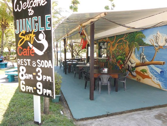 Jungle Surf: Rest. al aire libre.