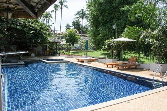 Soontreeya Lanta: Pool