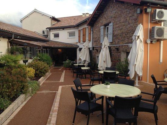 HOTEL-RESTAURANT LA ROSE: Outside terrace