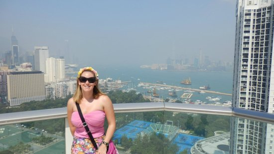 Metropark Hotel Causeway Bay Hong Kong: Enjoying the view