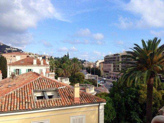 Golden Tulip Cannes Hotel De Paris: Zimmeraussicht