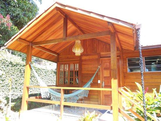 Aratinga Inn: Entrada Habitacion