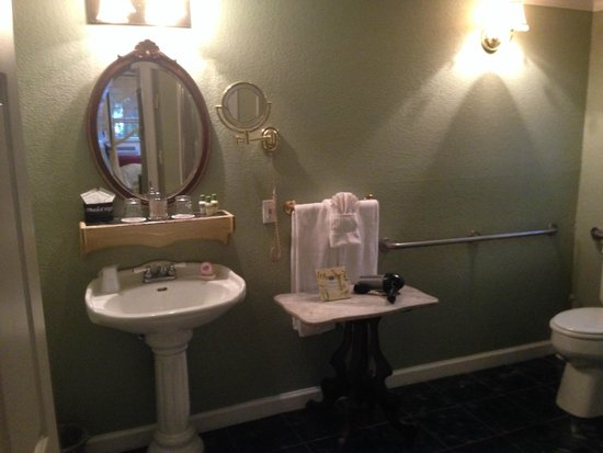 Candlelight Inn Napa Valley: Baño