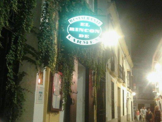El Rincon de Carmen: Insegna illuminata