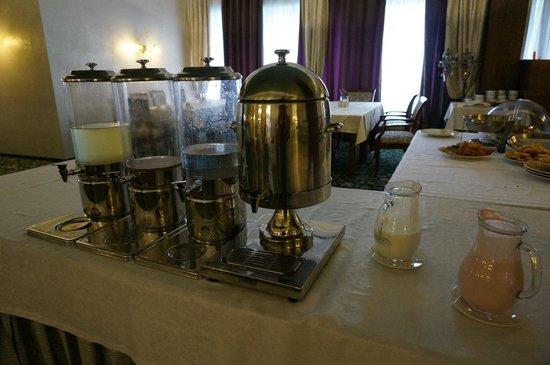 Malahit: Емкость под молоко