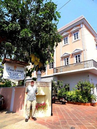 Hotel Anuraag Villa: front of hotel