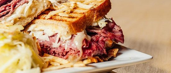 Hessen Haus: I wish the Reuben was actually as good as the photo!