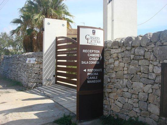 Casato Licitra: Main Gate