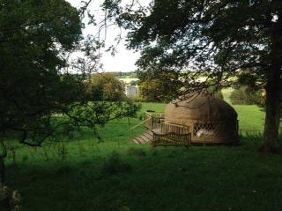 Rock Farm Slane: Yurt with view of Slane Castle