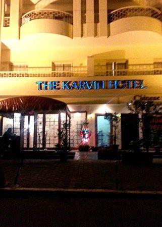 Massala: Enter in the Karvin Hotel.