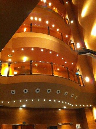 Silken Ciudad Gijon: vista desde la recepción (entrada)
