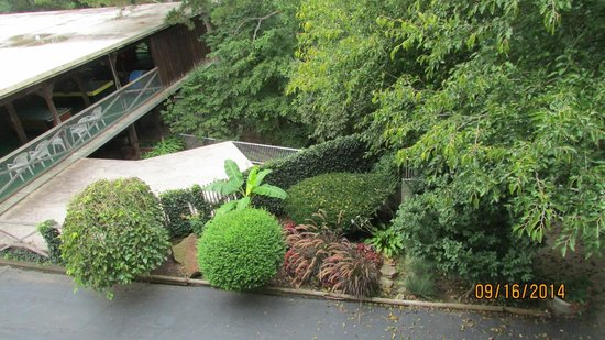 BEST WESTERN Inn of the Ozarks: View from balcony