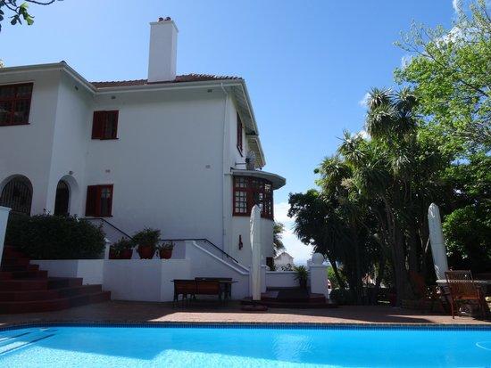 Floreal House: mooi onderhouden villa