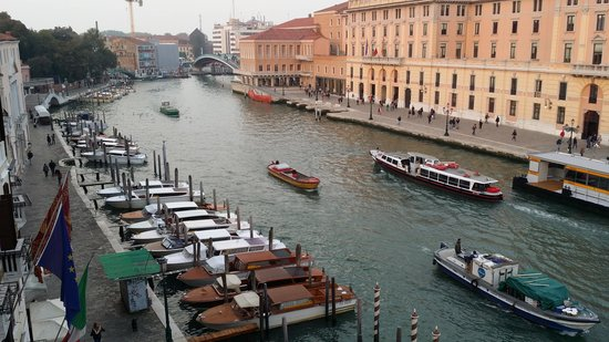 Hotel Antiche Figure: view of grand canal from our window