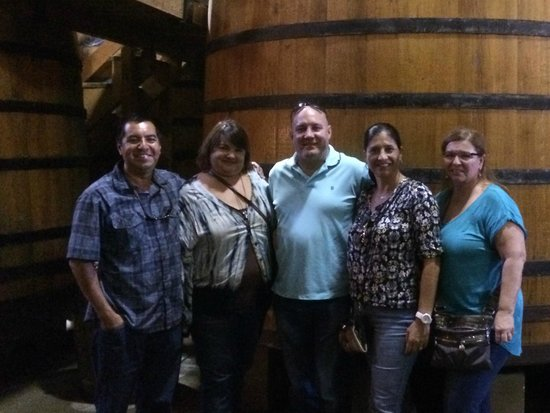 my group with cesar left at firestone winery foto de lb