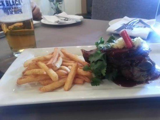 Oppie Dorp Restaurant: Lamb Shoulder - highly recommended