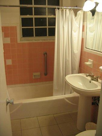 Hotel Eva: Ванная комната