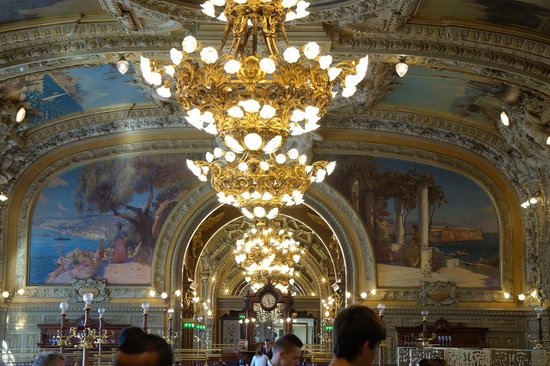 Le Train Bleu : Atmosphere