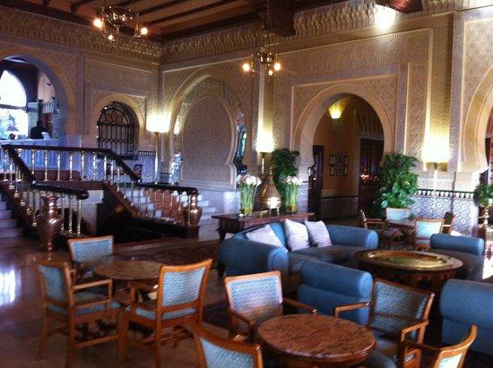 Hotel Alhambra Palace: la parte interna del bar