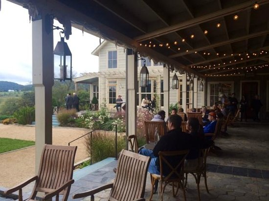 Pippin Hill Farm & Vineyards : Seating