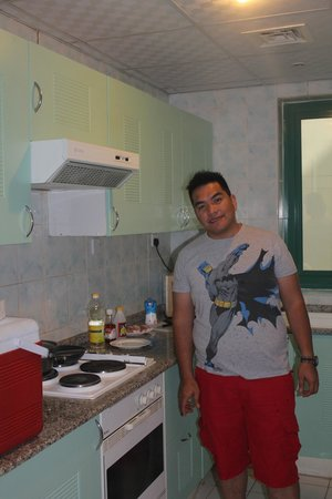 Pearl Residence Hotel Apartments: Kitchen