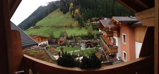 Hotel Quelle Nature Spa Resort: La vista dal terrazzo