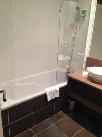 BEST WESTERN Palladior : very clean bathroom