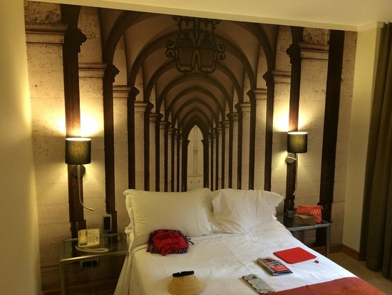 Marques De Pombal Hotel: Photo mural in guest room