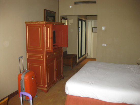 Izan Trujillo: habitacion  hotel