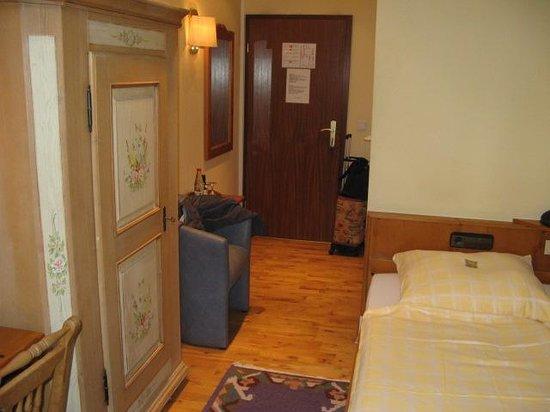 Gasthaus Hackteufel: Room 2