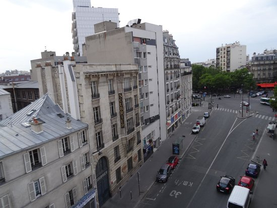 Ibis Paris Gare de Lyon Reuilly: View from window, Faidherbe-Chaligny is the metro on the left side of the roundabout