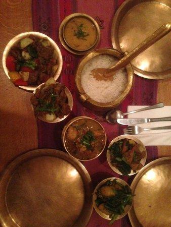 Yak Yeti Yak: Lamb, Lamb , Beef , Chicken, pork and spinich and potato beans
