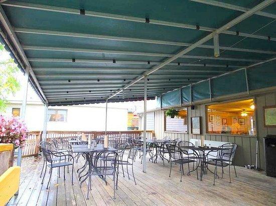 Old Rock Café: eat outside