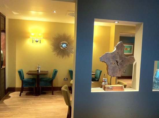 Premier Inn London Wandsworth Hotel: Nice decorations