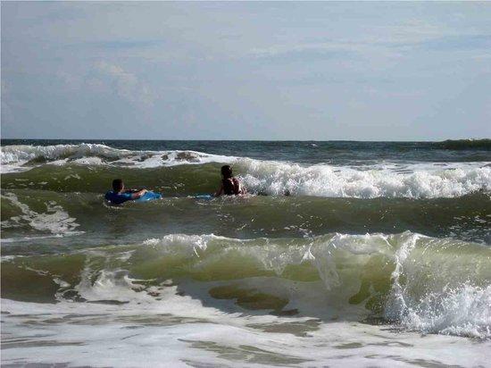 Hampton Inn St. Augustine Beach: now  surfing