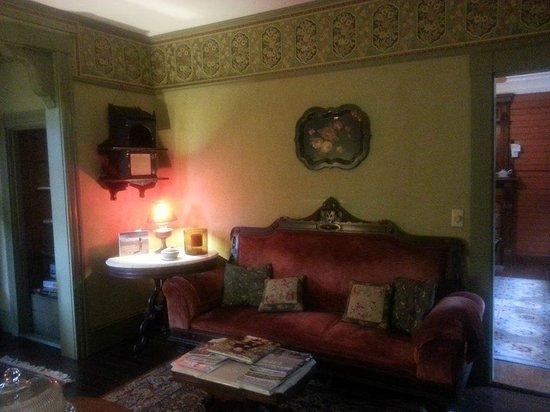 Beechwood Inn: Parlor