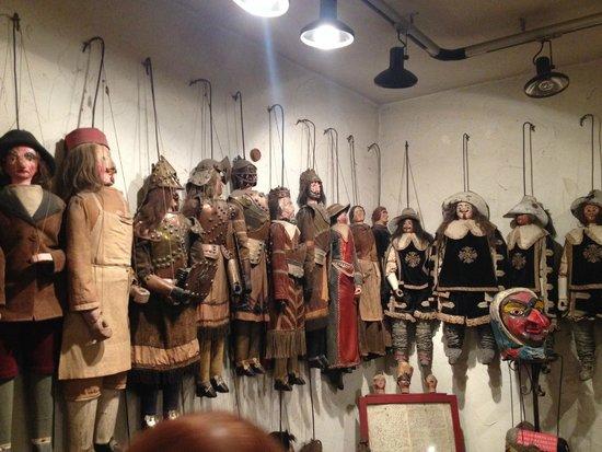 Royal Theatre Toone: Museu de marionetes
