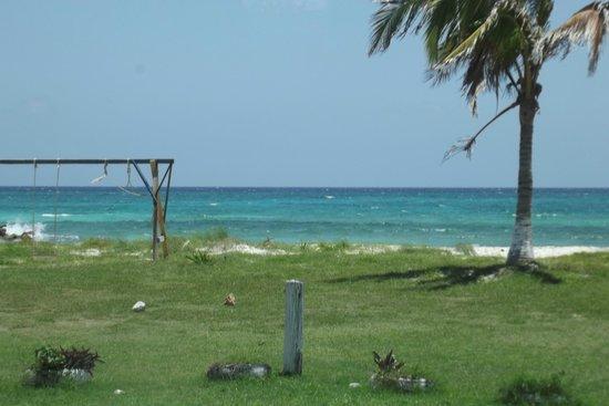 Silver Sands Vacation Villas: Beach view