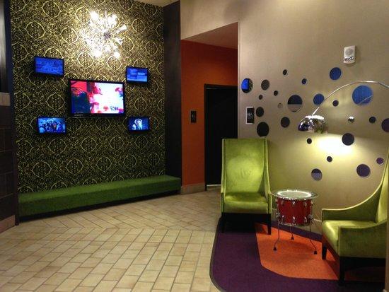 Crowne Plaza Hotel Boston - Natick : Lobby area