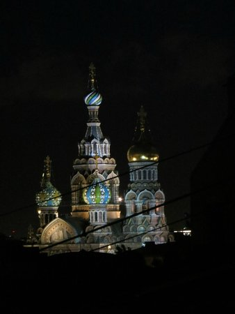 Nevskiy Hotel Moyka 5 : View from our window at night. Church of the Spilt Blood.