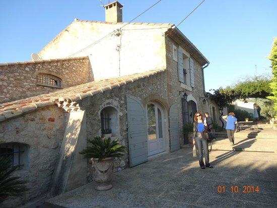 Le Temps des Olives: Entrada do Hotel