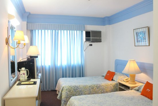 Hotel Galleria Davao : Room Twin Deluxe with complimentary breakfast